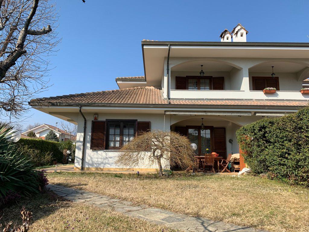Belvedere panoramica villa a schiera con giardino privato